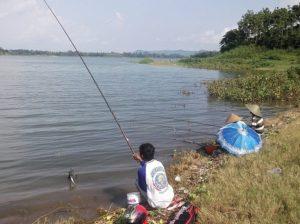 Manfaat Hobi Memancing Ikan