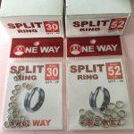 Hati hati memasang split ring pada hook