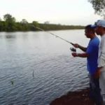 Memancing di Perairan Payau
