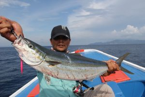 8 Khasiat Alami Ikan Rainbow Runner Bagi Kesehatan Tubuh Manusia